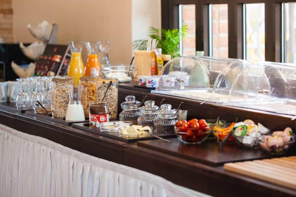 frühstück hotel omega